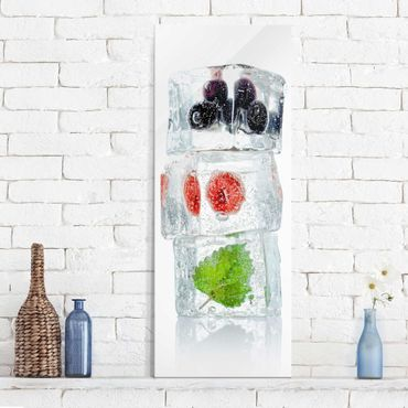 Quadro in vetro - Raspberry lemon balm and blueberries in ice cube - Pannello