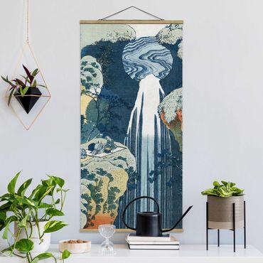 Foto su tessuto da parete con bastone - Katsushika Hokusai - La cascata di Amida - Verticale 2:1