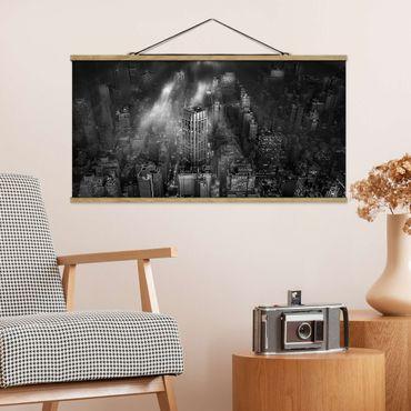 Foto su tessuto da parete con bastone - Luce del sole su New York - Orizzontale 1:2