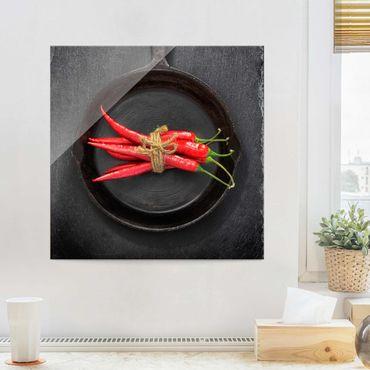 Quadro in vetro - Red Chili Fasci in padella su Slate - Quadrato 1:1