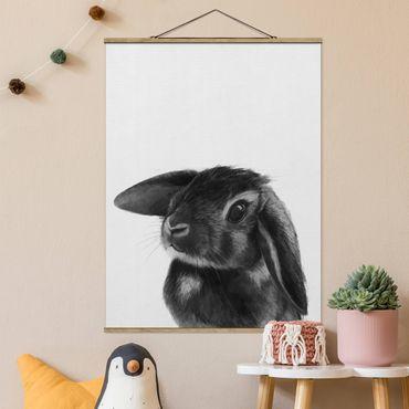 Foto su tessuto da parete con bastone - Laura Graves - Illustrazione Coniglio bianco e nero Disegno - Verticale 4:3
