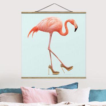 Foto su tessuto da parete con bastone - Flamingo con tacchi alti - Quadrato 1:1