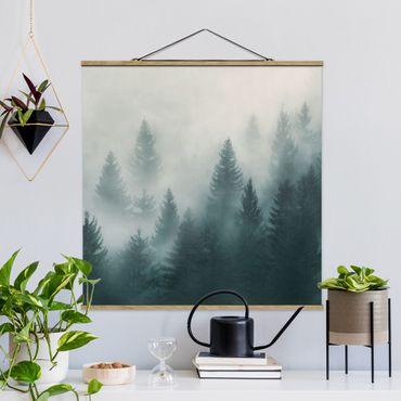 Foto su tessuto da parete con bastone - Foresta di conifere In Nebbia - Quadrato 1:1