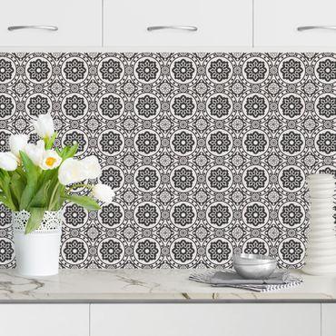 Rivestimento cucina - Mosaici floreali nero bianco