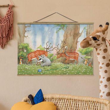 Foto su tessuto da parete con bastone - Procione Wassili - Wassili aiuta il cervo