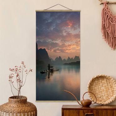 Foto su tessuto da parete con bastone - Alba sul fiume cinese - Verticale 2:1