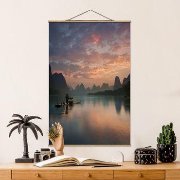Foto su tessuto da parete con bastone - Alba sul fiume cinese - Verticale 3:2