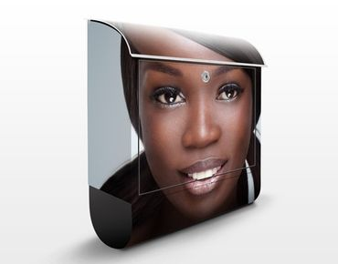 Cassetta postale Black Beauty Close Up 39x46x13cm