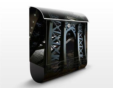 Cassetta postale Manhattan Bridge At Night 39x46x13cm