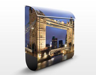 Cassetta postale Tower Bridge At Night 39x46x13cm