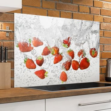 Paraschizzi in vetro - Fresh Strawberries In Water