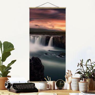 Foto su tessuto da parete con bastone - Cascata Godafoss in Islanda - Verticale 2:1