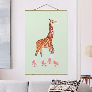 Foto su tessuto da parete con bastone - Giraffa con Pattini a rotelle - Verticale 3:2