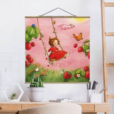 Foto su tessuto da parete con bastone - Strawberry Coniglio Erdbeerfee - Baumschaukel - Quadrato 1:1