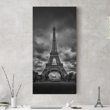Stampa su tela - Torre Eiffel Davanti Nubi In Bianco e nero - Verticale 1:2