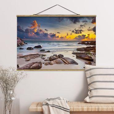 Foto su tessuto da parete con bastone - Sunrise Beach In Thailandia - Orizzontale 2:3