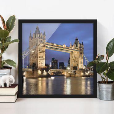 Poster con cornice - Tower Bridge At Night - Quadrato 1:1
