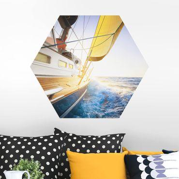 Esagono in Alu-dibond - Barca a vela sul mare blu In Sole