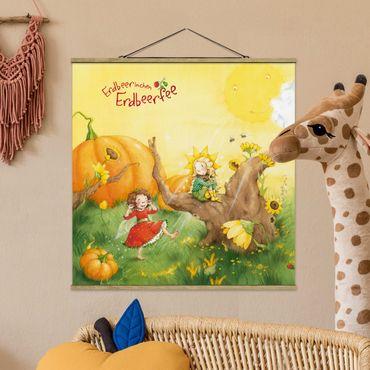 Foto su tessuto da parete con bastone - Strawberry Coniglio Erdbeerfee - A Sunny Day - Quadrato 1:1
