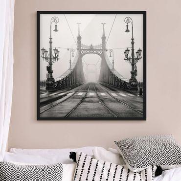 Poster con cornice - Bridge In Budapest - Quadrato 1:1