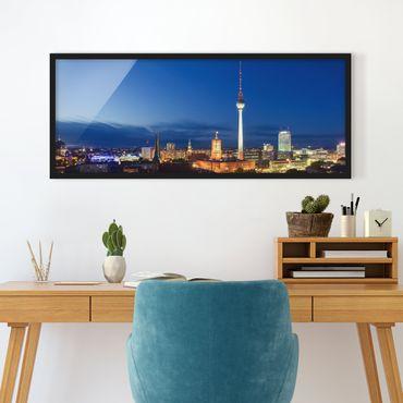 Poster con cornice - Torre Tv Di Notte - Panorama formato orizzontale