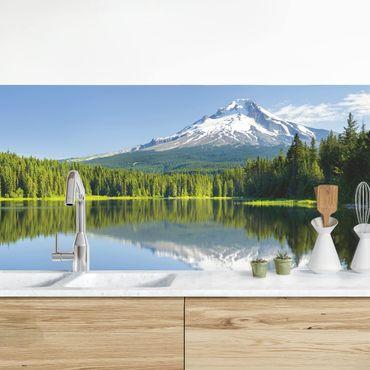 Rivestimento cucina - Vulcano con specchio nell'acqua