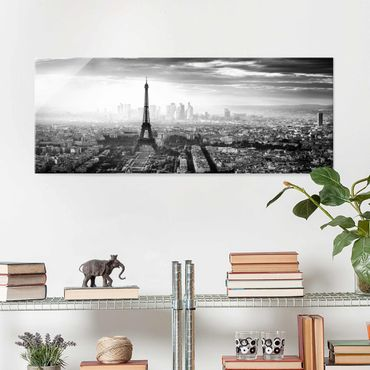 Quadro in vetro - La Torre Eiffel From Above Bianco e nero - Panoramico
