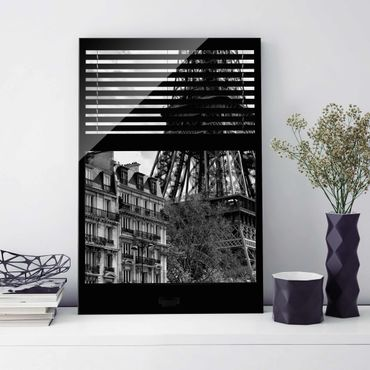 Quadro in vetro - Window view Paris - Near the Eiffel Tower black and white - Verticale 2:3