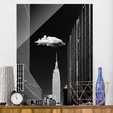 Quadro in vetro - New York Con nuvola - Verticale 3:4