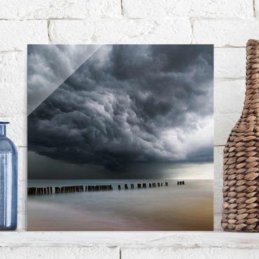 Quadro in vetro - Nubi di tempesta sul Mar Baltico - Quadrato 1:1