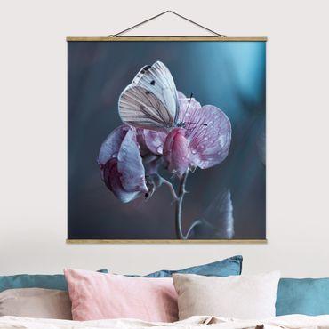 Foto su tessuto da parete con bastone - Farfalla In The Rain - Quadrato 1:1