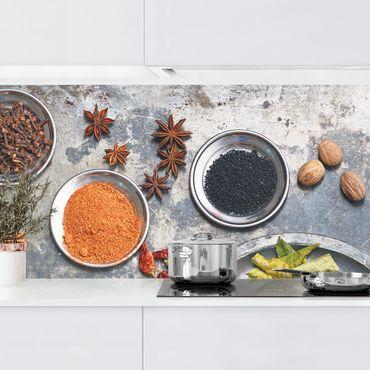 Rivestimento cucina - Spezie su piatto shabby