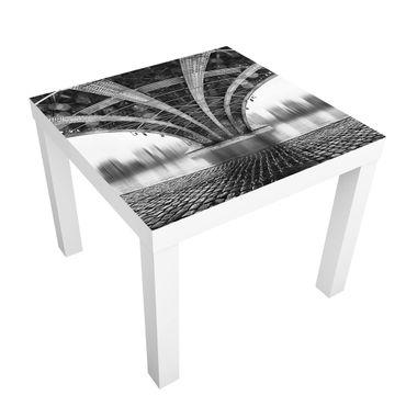 Tavolino design Under The Iron Bridge
