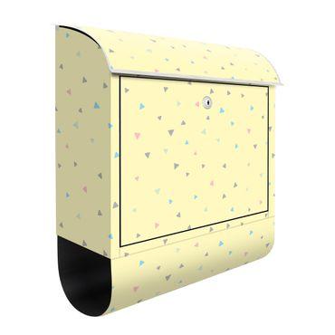 Cassetta postale - Triangoli disegnati in pastelli colorati su giallo