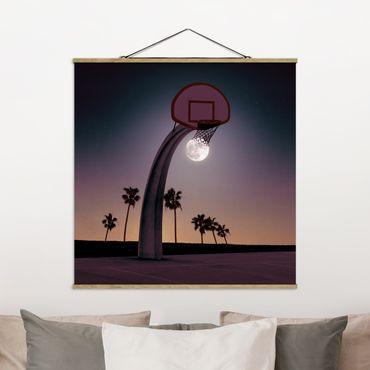 Foto su tessuto da parete con bastone - Pallacanestro Con La Luna - Quadrato 1:1