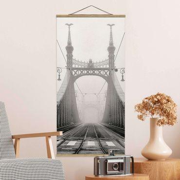 Foto su tessuto da parete con bastone - Ponte A Budapest - Verticale 2:1