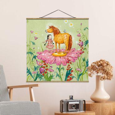 Foto su tessuto da parete con bastone - The Magic Pony Sul Fiore - Quadrato 1:1