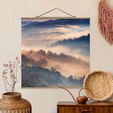 Foto su tessuto da parete con bastone - Nebbia al tramonto - Quadrato 1:1