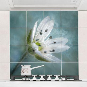 Adesivo per piastrelle - Bianco fiore su Blu - Quadrato