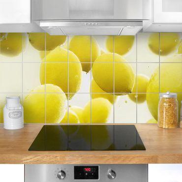 Adesivo per piastrelle - Lemon in water