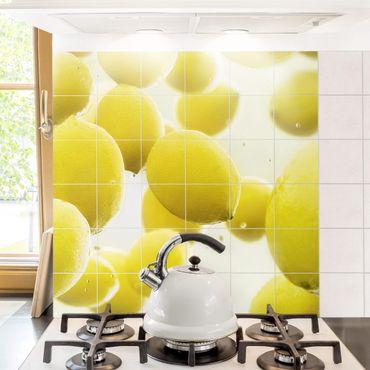 Adesivo per piastrelle - Lemon In The Water - Quadrato