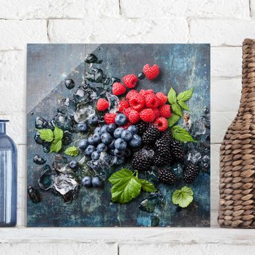 Quadro in vetro - Berry Mix With Ice Cubes Wood - Quadrato 1:1