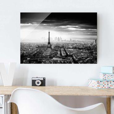 Quadro in vetro - La Torre Eiffel From Above Bianco e nero - Orizzontale 3:2