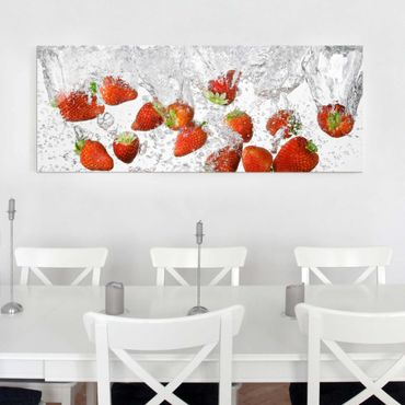 Quadro in vetro - Fresh Strawberries In Water - Panoramico