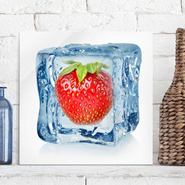 Quadro in vetro - Strawberry in ice cube - Quadrato 1:1