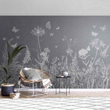 Carta da parati metallizzata - Grandi fiori con farfalle in grigio