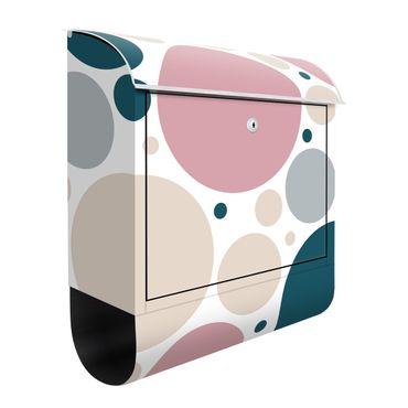 Cassetta postale - Composizione di piccoli e grandi cerchi
