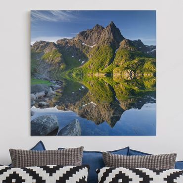 Stampa su tela - Mountain Landscape With Water Reflection In Norway - Quadrato 1:1