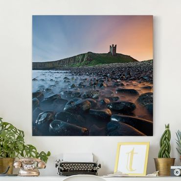 Stampa su tela - Sunrise With Fog At Dunstanburgh Castle - Quadrato 1:1