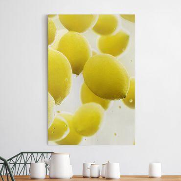 Stampa su tela Lemon in the water - Verticale 2:3